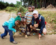 teemu and kids at the kenyan border